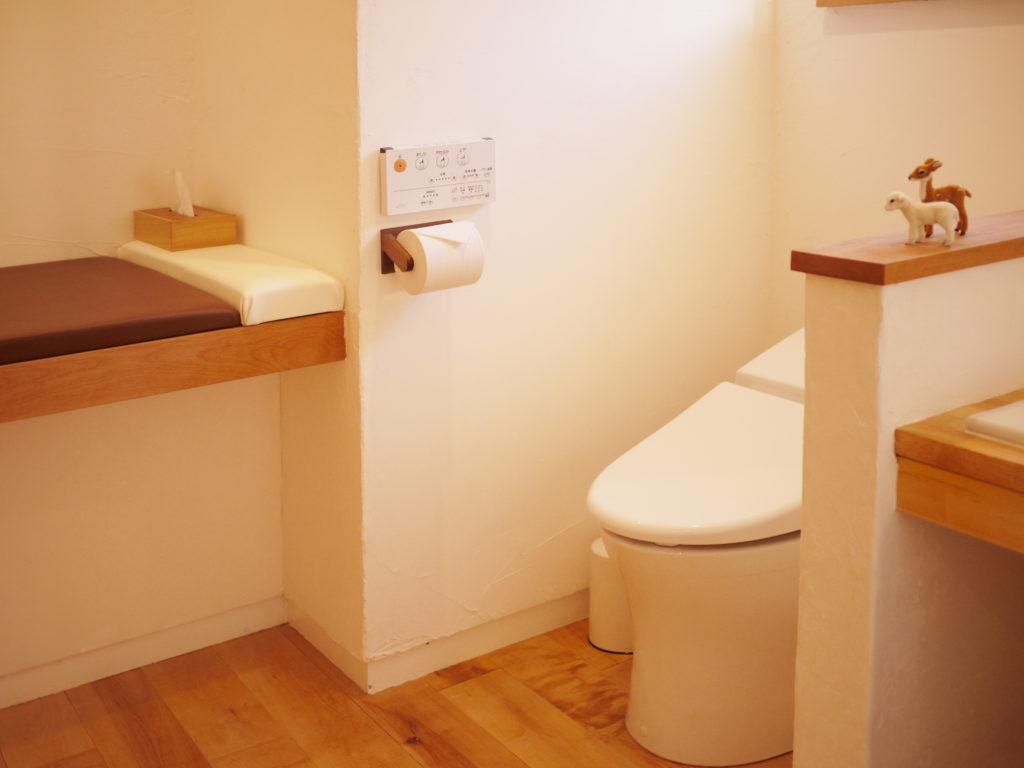 飛鳥工房 トイレ おむつ替えシート